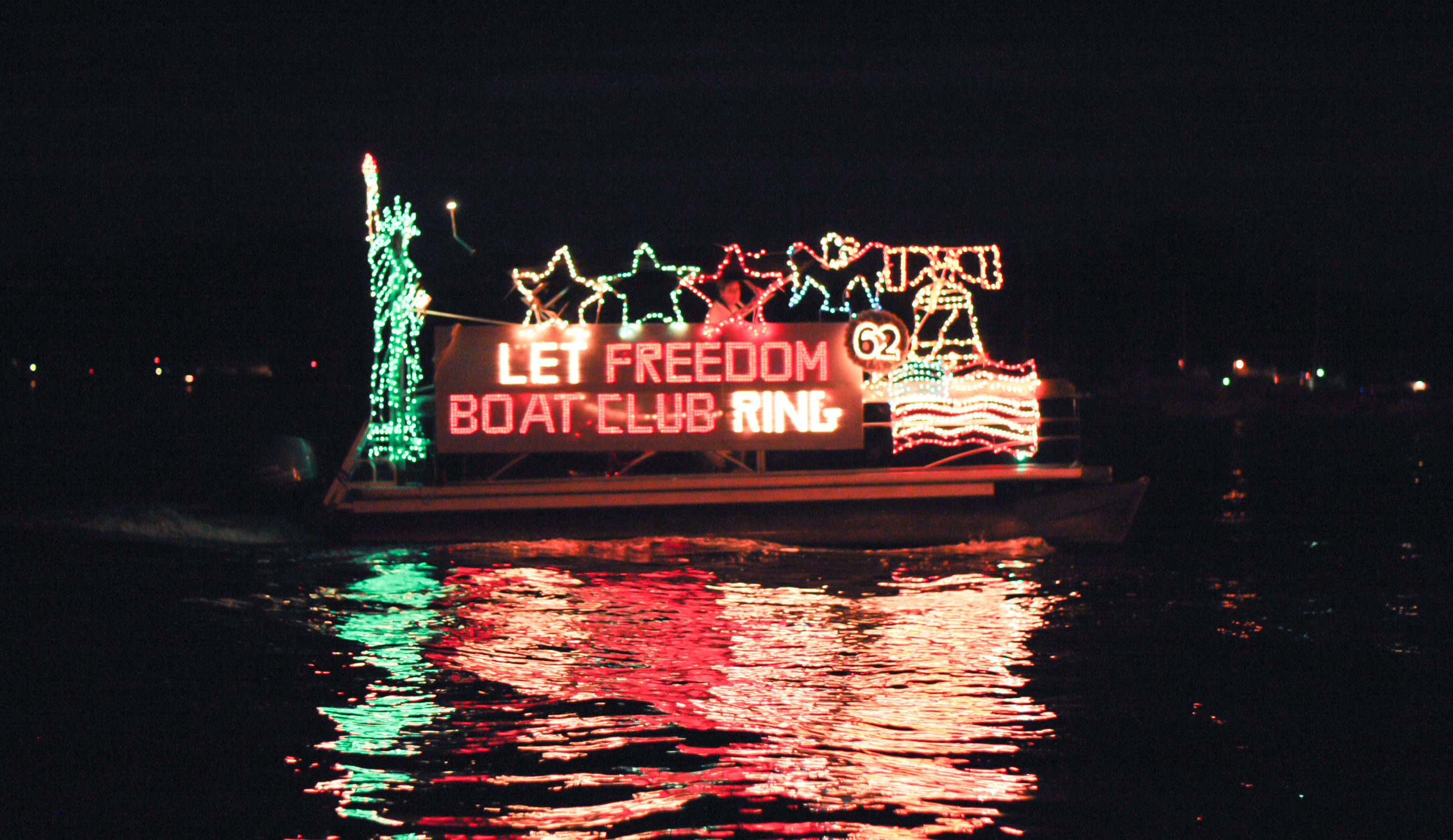 Annual Julington Creek Boat Parade spreads holiday cheer