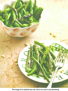 fnl-pantry-raiders-grilled-green-beans-1804-lores